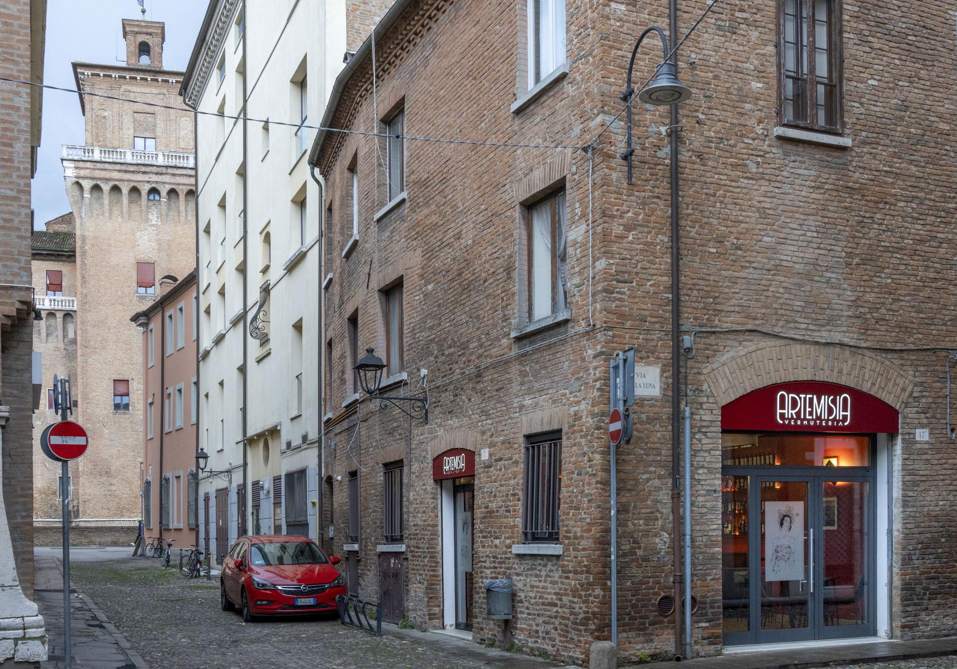 Vermuteria Artemisia in centro a Ferrara a 50 metri dal Castello Estense